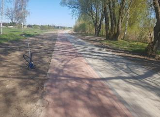 Ścieżka pieszo- rowerowa naukończeniu